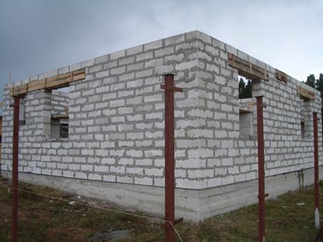 Как построит дом из пенобетона своими руками