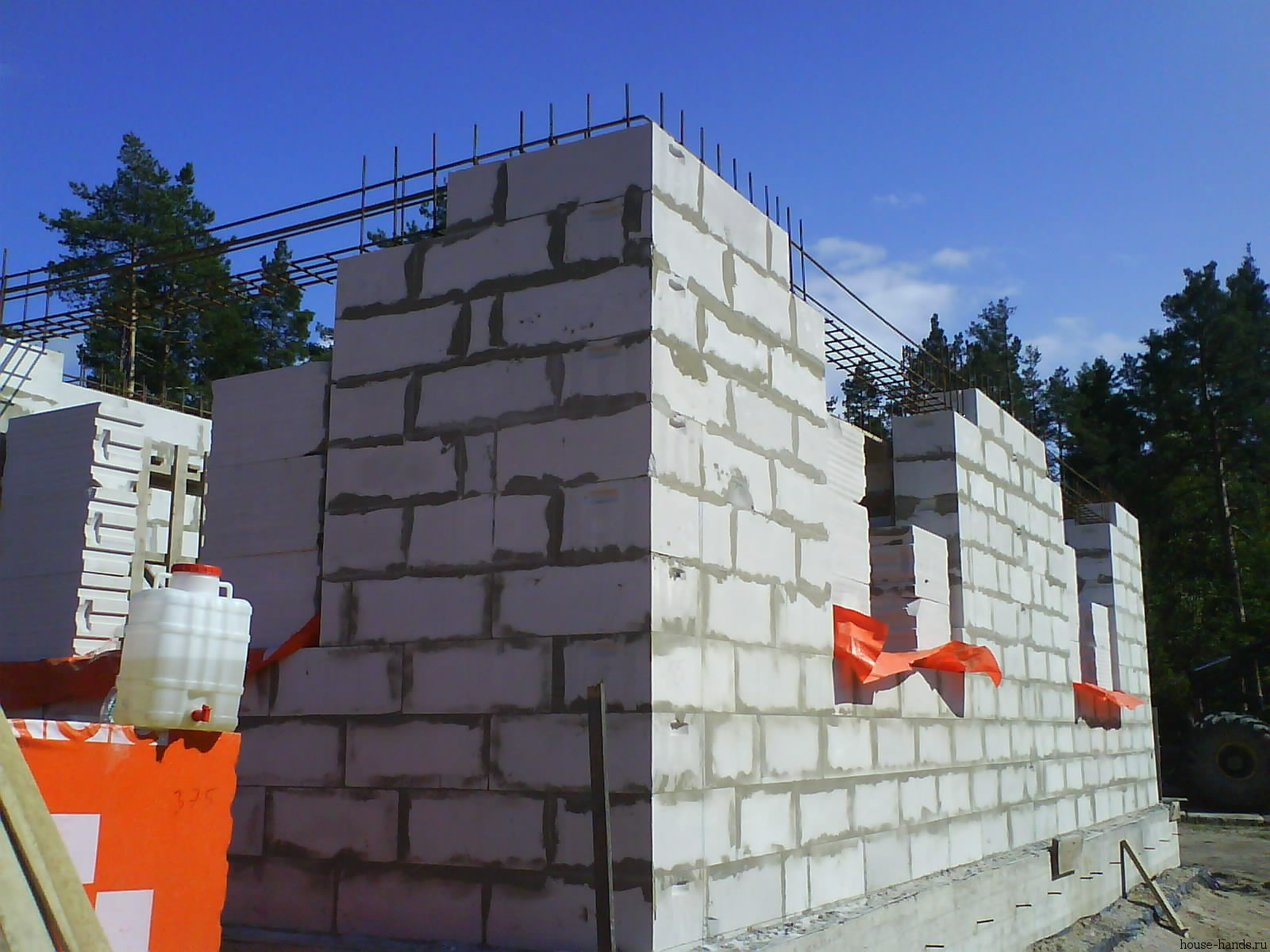 Рекомендации по постройке частного дома из газобетонных блоков. В чем особенности данного материала? Универсальный портал