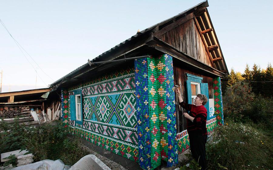 Как украсить фасад дачного домика своими руками
